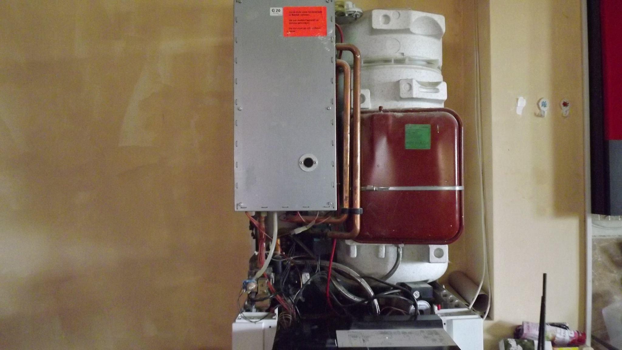 vas expansiune, centrala termica reparata-inlocuirea vasului de expansiune